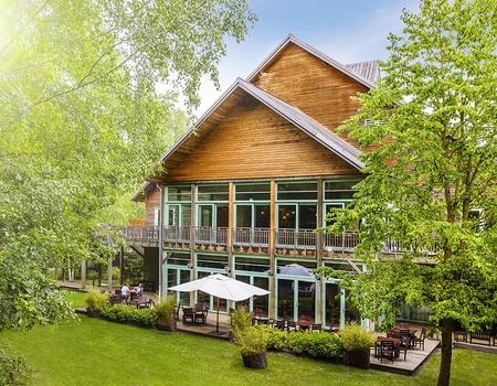 Parc Astérix - Hôtel Les Trois Hiboux*** Offre Saison -30%