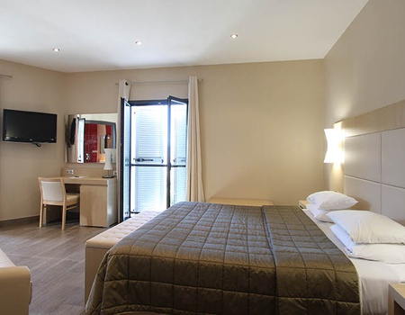 Hôtel Chez Charles 4*