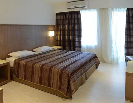 Hôtel Calvi 3*