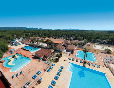 Camping Parc Saint James Oasis Village, 5*