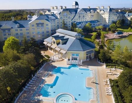 Disney's Newport Bay Club - Jusqu'à -35% sur votre séjour + séjour offert pour les moins de 12 ans!