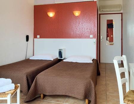 Hôtel Alata 2*