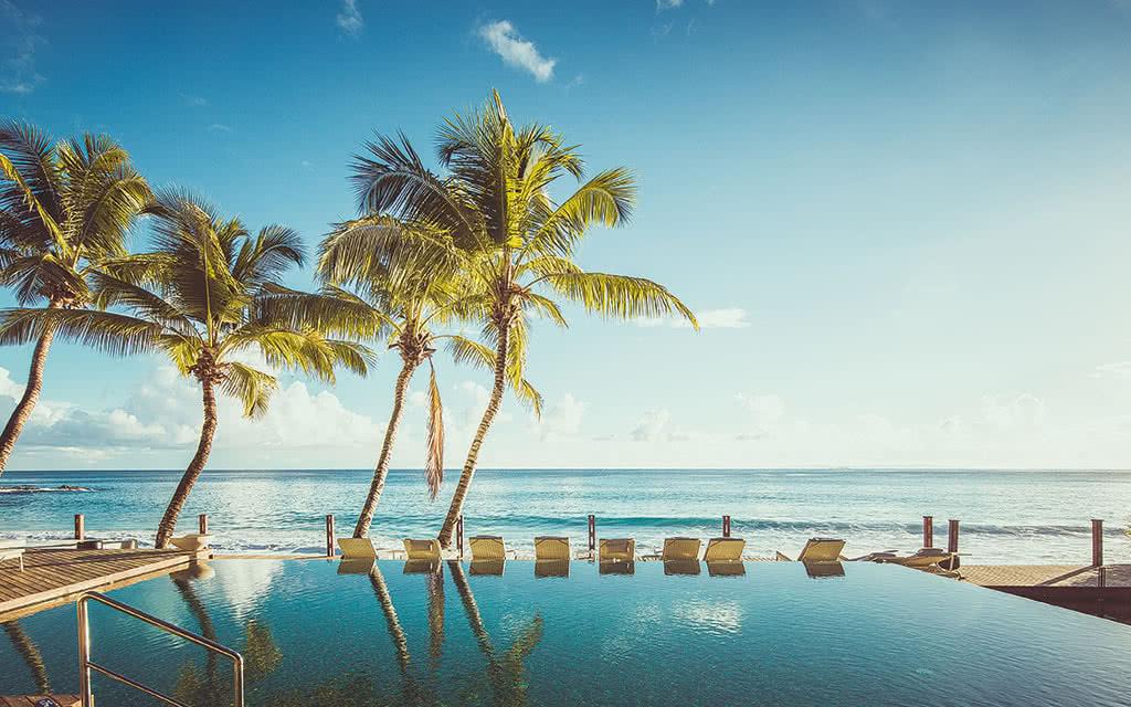 Hôtel Carana Beach 4*