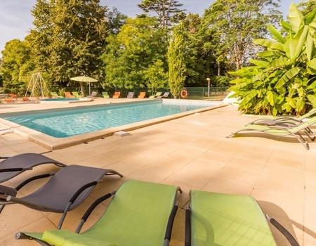 Camping Le Petit Trianon, 4*