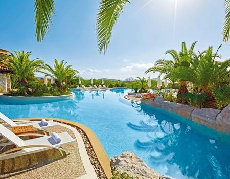 Hôtel The Westin Resort Costa Navarino 5*