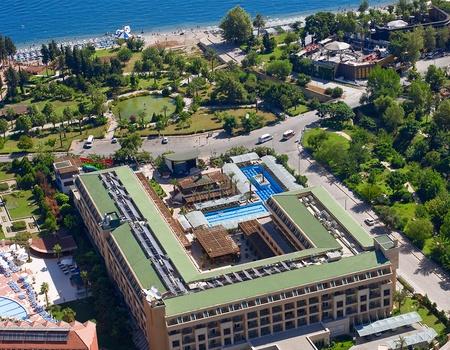 Hôtel Crystal De Luxe Resort & Spa 5*
