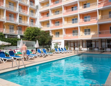 Hôtel Calma 3*