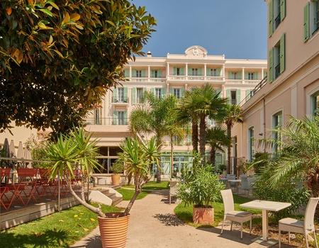 Hôtel Le Balmoral 3*