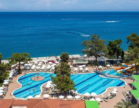 Hôtel Crystal Aura Beach Resort & Spa 5*
