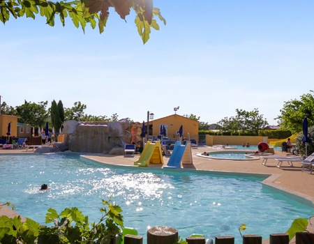 Camping Les Sources, 5*
