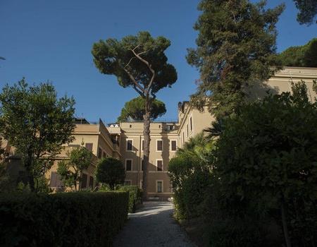 Hôtel Checkin Villa Angelina 3*