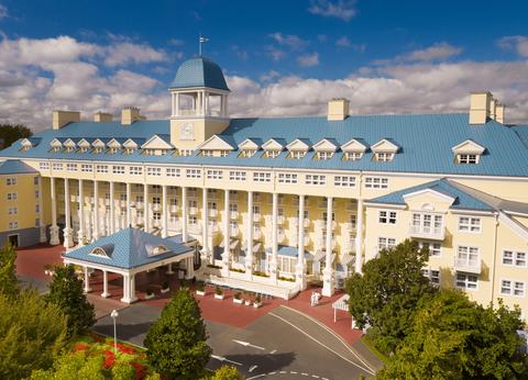 Disney's Newport Bay Club® - Venez profiter des beaux jours ! - 1