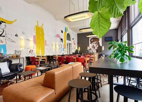 Ambiance italienne dans un hôtel de charme au coeur d'Ostende 3* - 1