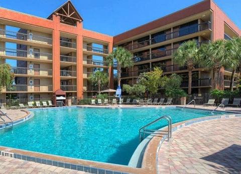 Hôtel Clarion Lake Buena Vista - 1