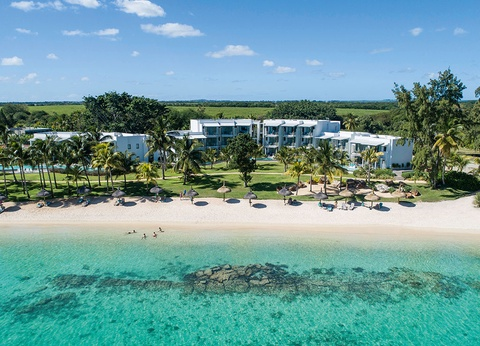 Victoria Beachcomber Resort and Spa 4* superieur - Victoria for 2 - 1