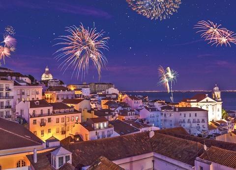 Réveillon à l'hôtel VIP Executive Art's 4* avec soirée du Nouvel An à bord du bateau N/M Opéra - 1