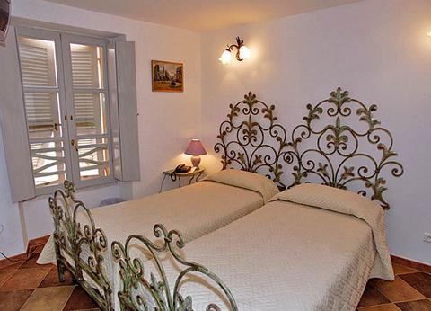 Hôtel Le Colomba - 1