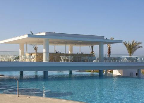 Hôtel King Evelthon Beach & Resort 5* - 1