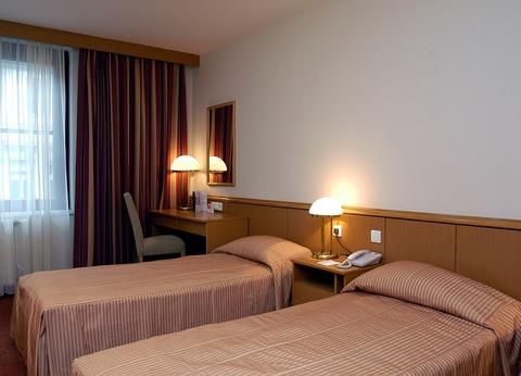 Réveillon à Budapest avec soirée du Nouvel An à bord de l'Europa - Hôtel Mercure City Budapest 4* - 1