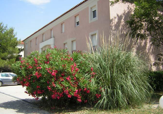 Residence le logis des clercs aix en provence sud est et - Residence les jardins d arcadie aix en provence ...