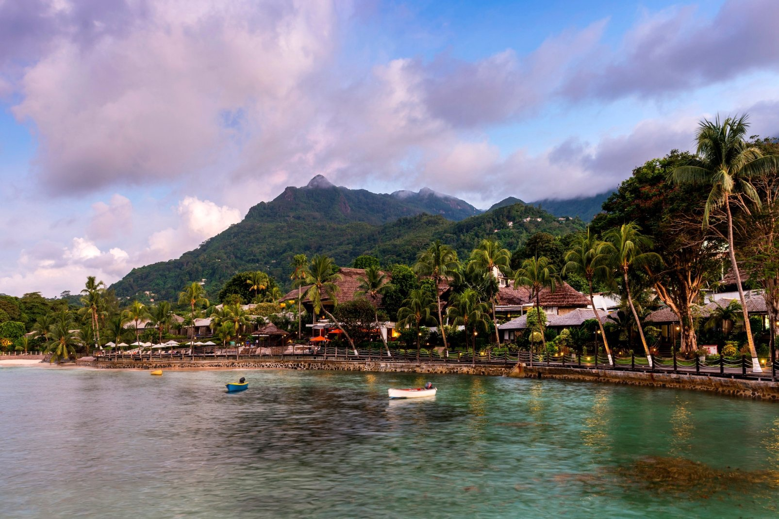 Combiné 2 Iles : Mahé + Praslin : Le Méridien Fisherman's Cove + Coco de Mer & Black Parrot Suites - 1
