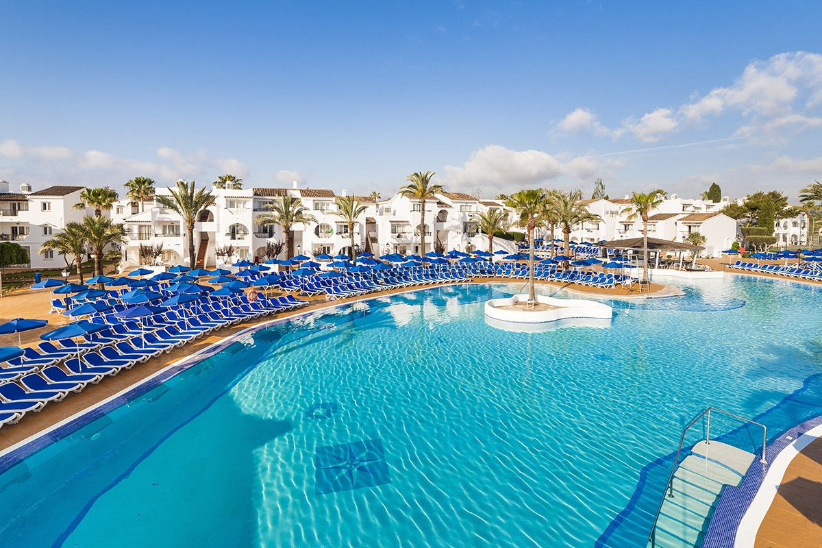 Hotel splashworld bouganvilla sa coma 3 majorque for Piscine baleares