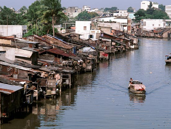 circuit du delta du mekong a la baie d 39 halong vietnam. Black Bedroom Furniture Sets. Home Design Ideas