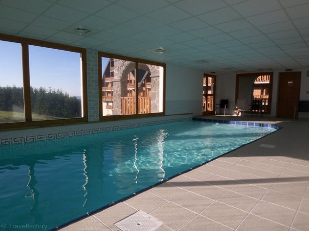 Residence o sancy super besse auvergne france avec for Super besse piscine