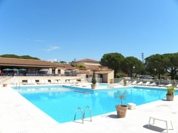 Residences du colombier frejus cote d 39 azur france avec for Piscine du colombier