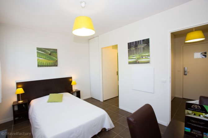 All suites appart 39 hotel 3 pau pyrenees france avec for Appart hotel suite
