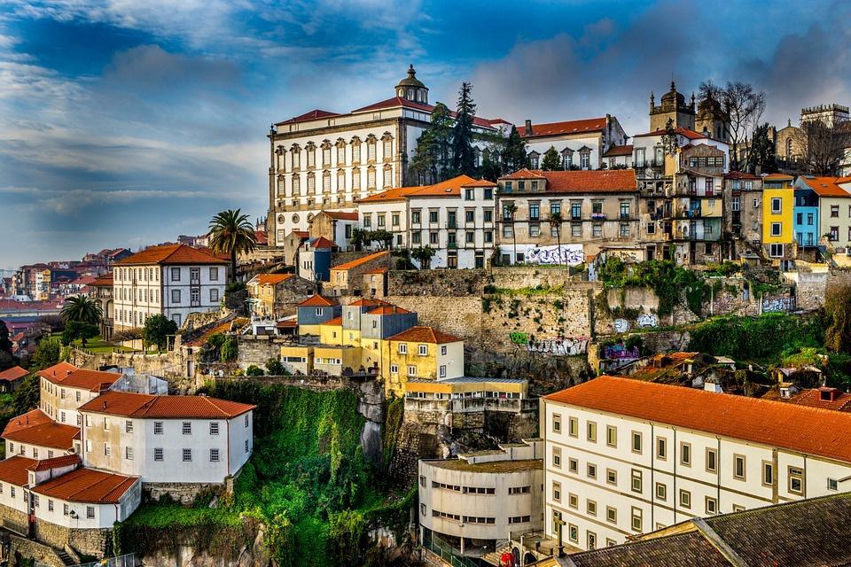 circuit ailleurs au portugal portugal avec voyages leclerc ailleurs ref 412599 mai 2018. Black Bedroom Furniture Sets. Home Design Ideas